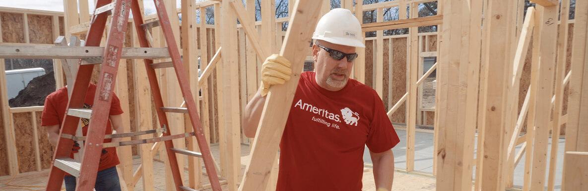Ameritas Volunteer with hard hat